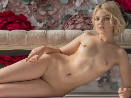 Проститутка с маленькой грудью